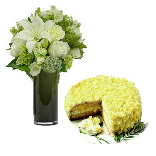 Ambrosial Love Delight Mixed Flower Bouquet with Cake
